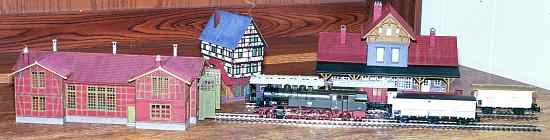 Some H0 train and building models